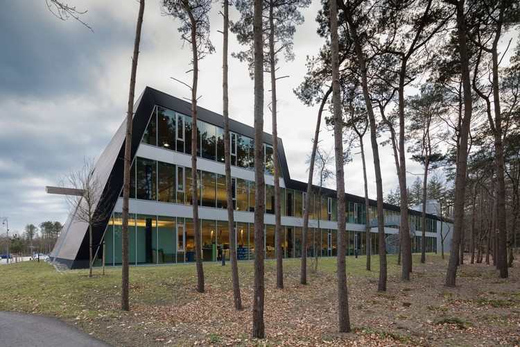 Logistic Building in Corporate Campus Apeldoorn / ADP Architects, © Gerard van Beek
