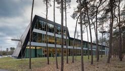 Edificio de Logística en Campus Empresarial Apeldoorn / ADP Architects