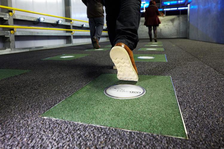 Poderia uma fonte de energia estar logo embaixo de nossos pés?, Cortesia de PaveGen, via Design Boom
