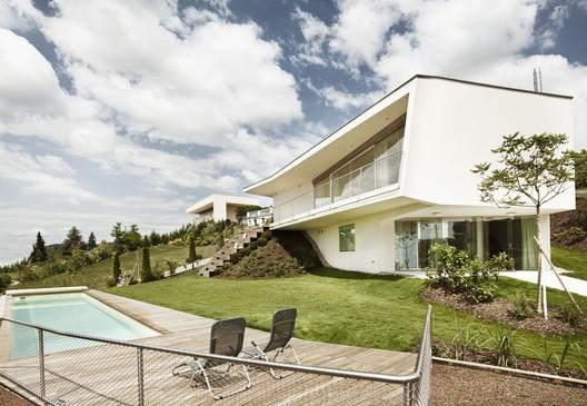 Villa P / LOVE architecture and urbanism