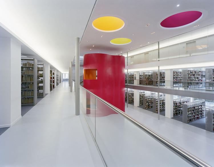 Biblioteca Municipal Central / KSP Jürgen Engel Architekten, © Jean-Luc Valentin