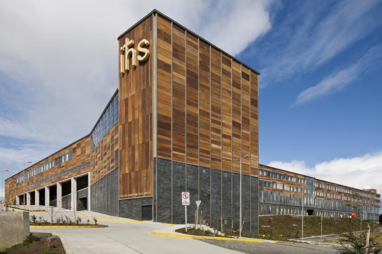 Colegio San Francisco Javier / Martin Hurtado Covarrubias + Sergio Quintana Felice Arquitectos Asociados, © Leonardo Finotti