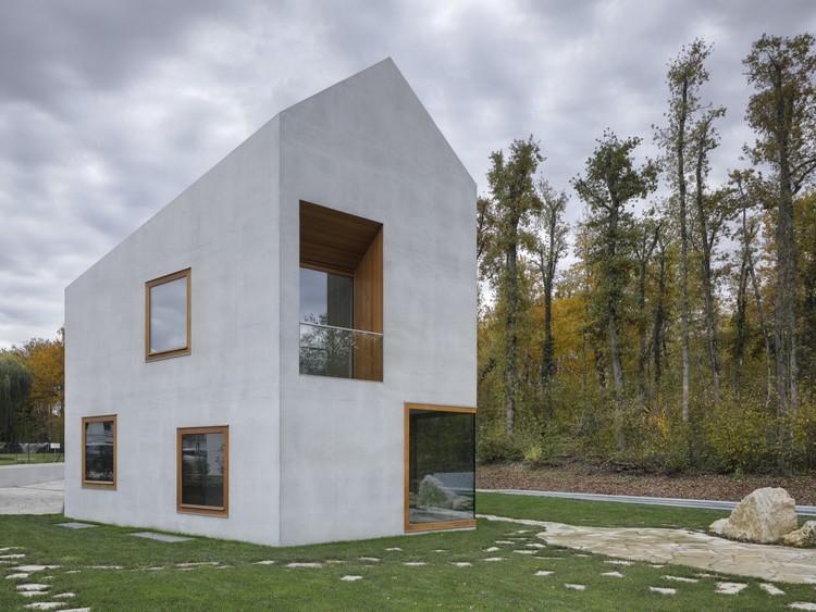 Duas Casas em uma / Clavienrossier Architectes, © Roger Frei