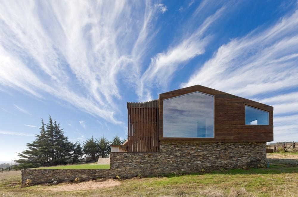 Gallery of plinth house land arquitectos 1 for Casas contemporaneas modernas