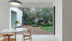 TP-H Residence / Jermyn Manthripragada