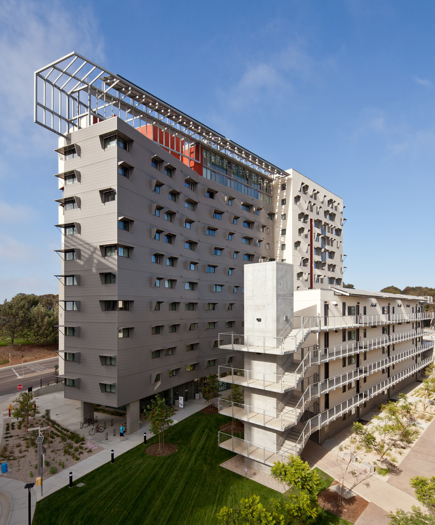 Gallery Of UCSD: A Built History Of Modernism