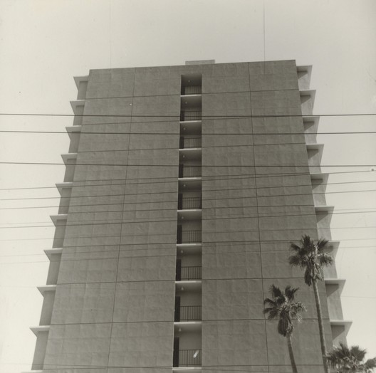 © Ed Ruscha-The J. Paul Getty Museum, Los Angeles / 818 Doheny Dr., 1965