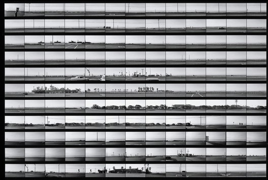 © Edward Ruscha-The Getty Research Institute, Los Angeles (2012.M.2) / Edward Ruscha photographs of Los Angeles streets and related documentation: Santa Monica Boulevard, Melrose Avenue, Pacific Coast Highway and other streets.