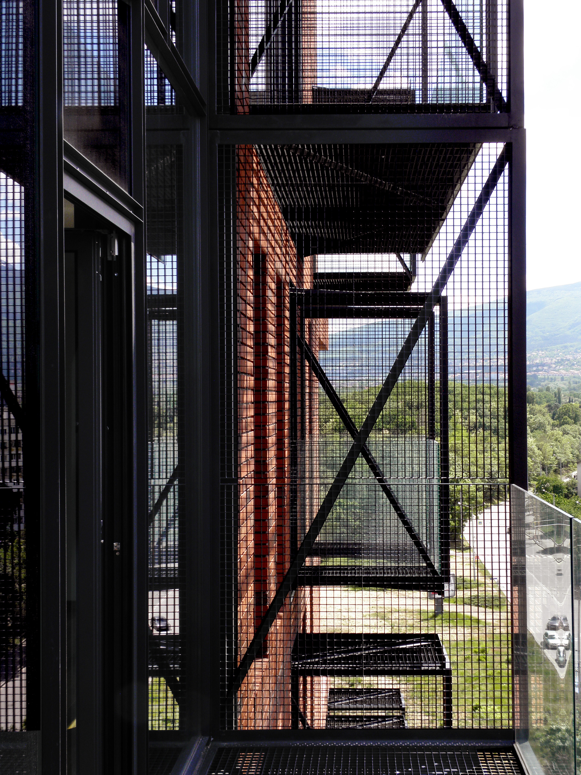 Gallery of Red Apple Apartment Building / Aedes Studio - 7