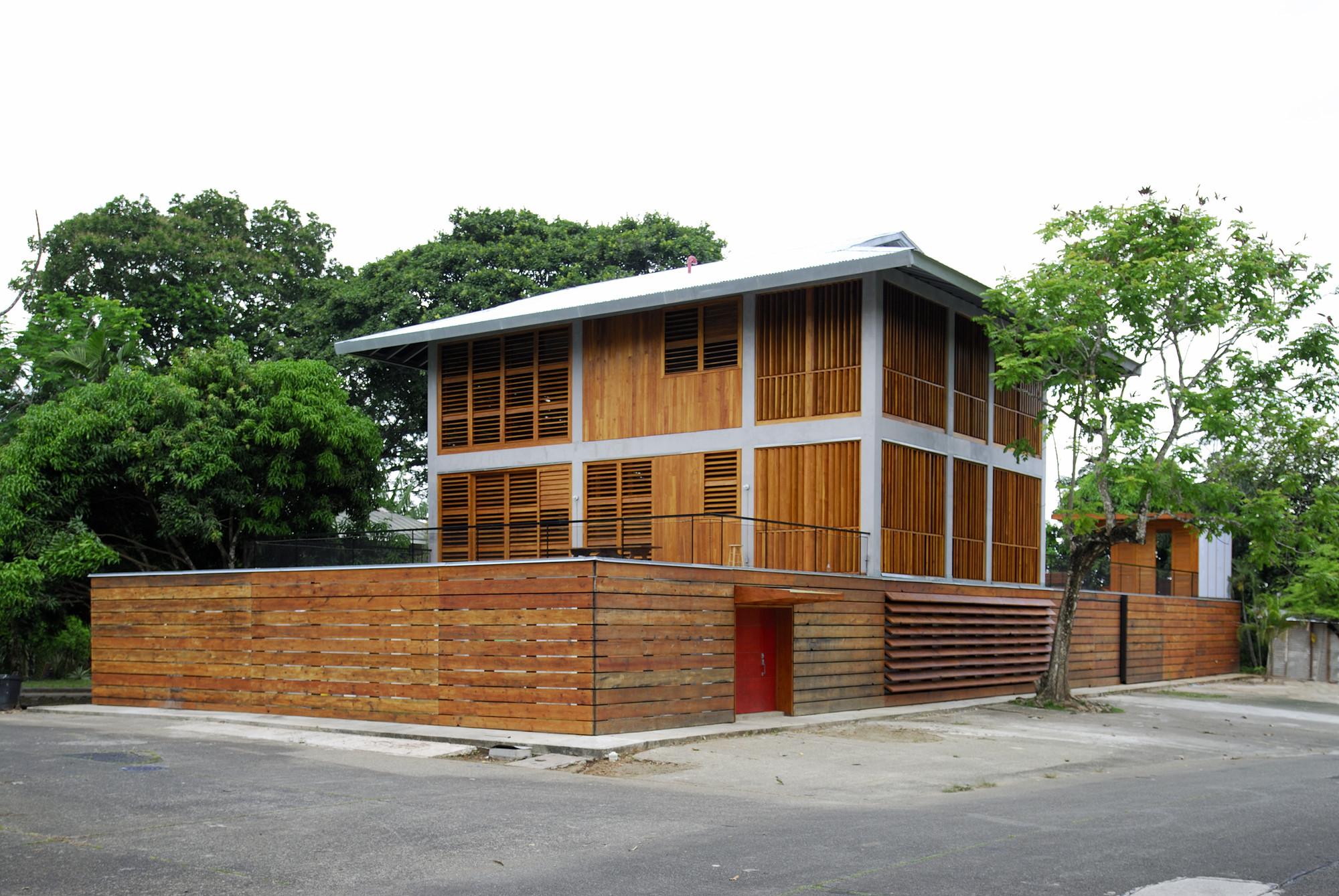 Casa Bermingham / ENSITU