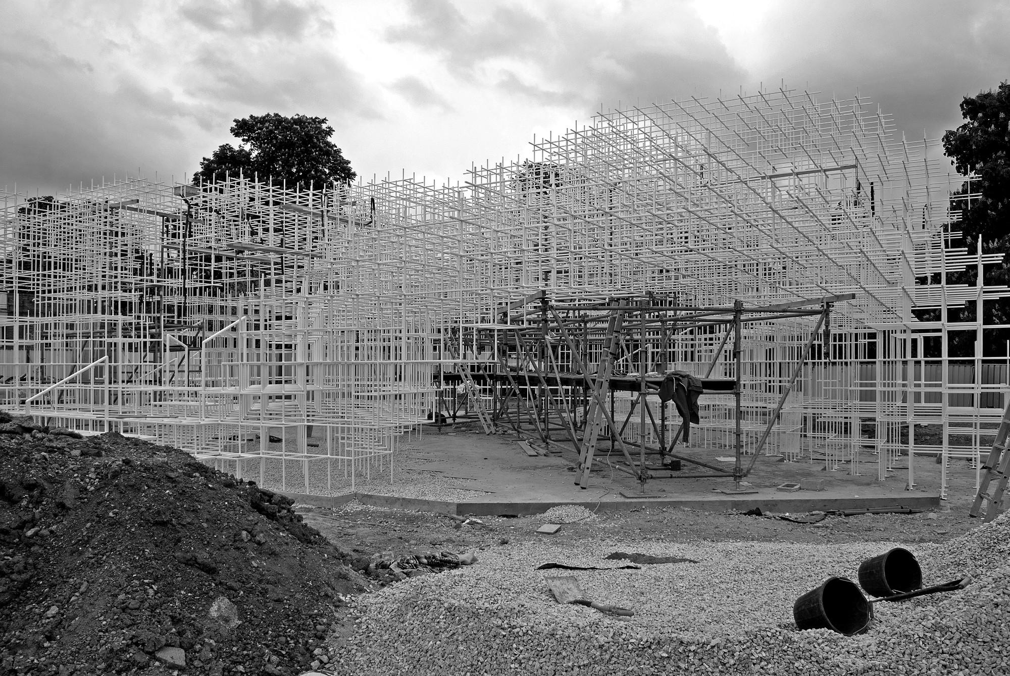 En Construcción: Serpentine Gallery Pavilion / Sou Fujimoto, © Laurence Mackman