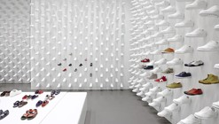 5th Avenue Camper Store / Nendo