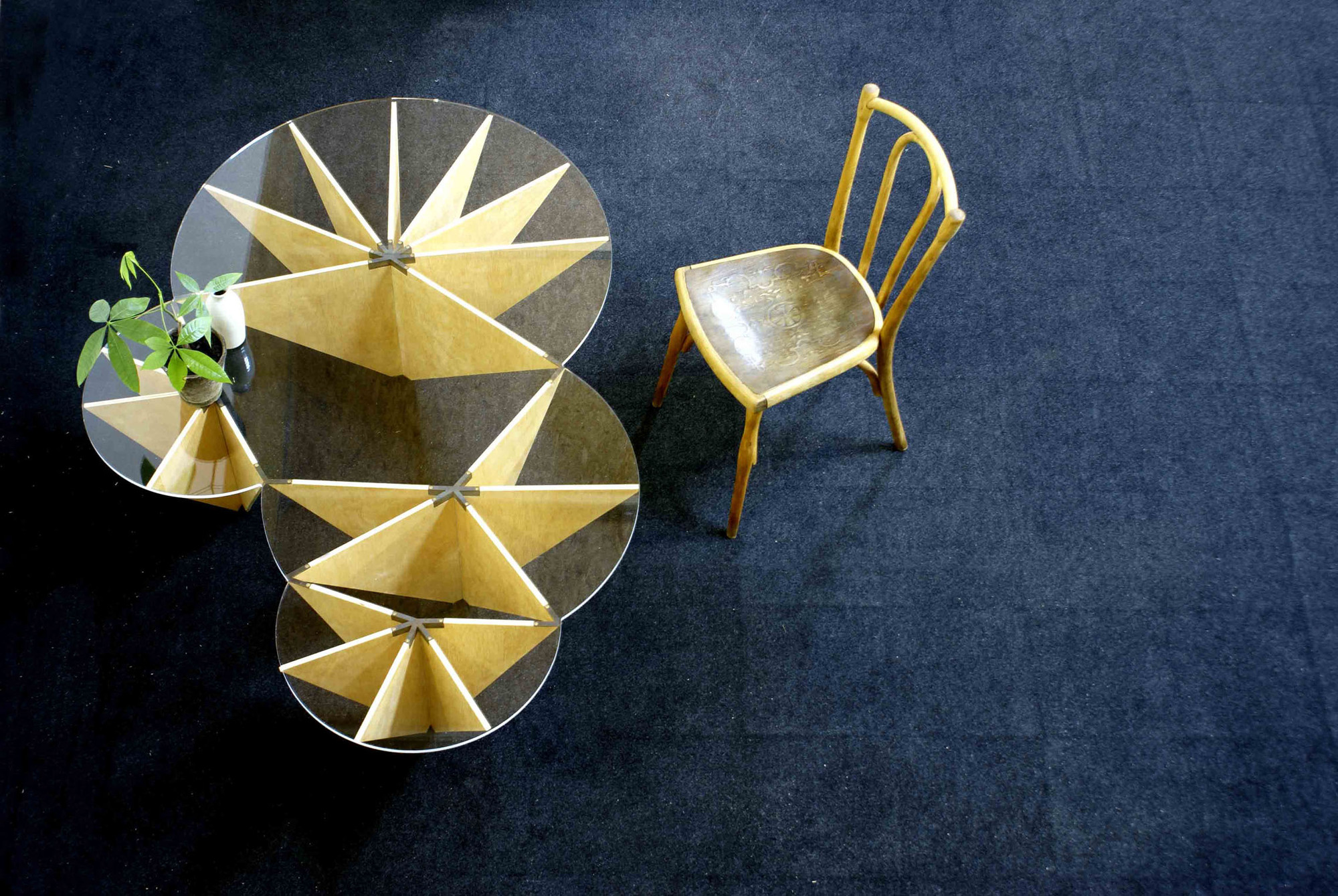 Mesa Lily / Ignacio Hornillos Design Studio, © Gabriela Aznar