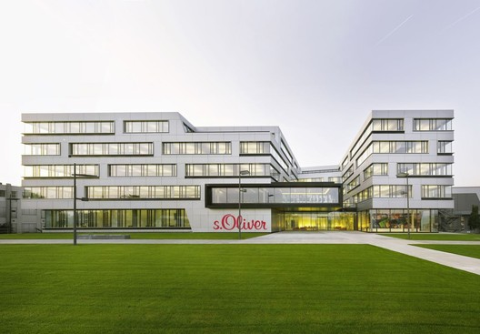 s.Oliver Headquarters / KSP Jürgen Engel Architekten
