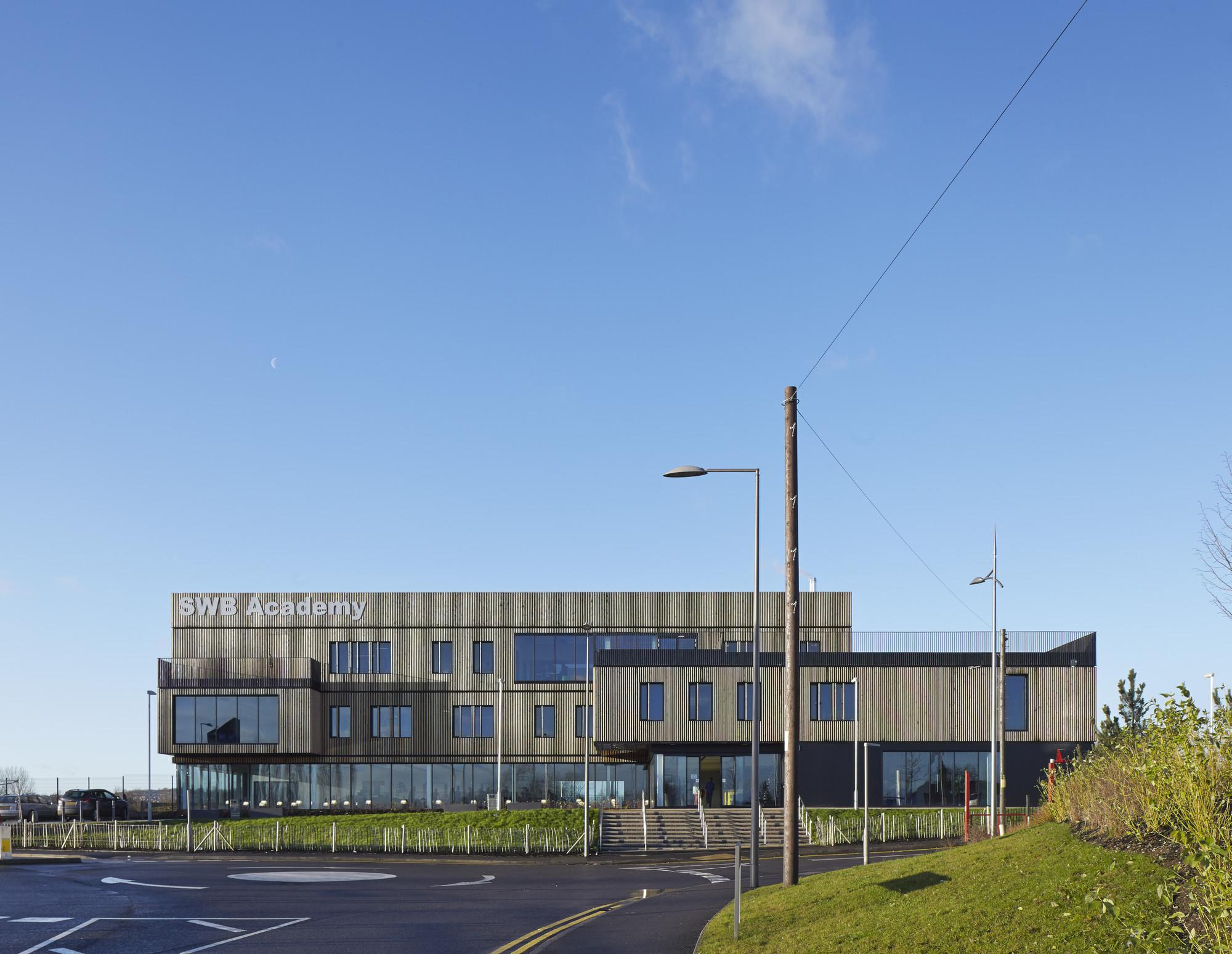 South Wolverhampton and Bilston Academy / Capita Symonds, © Dennis Gilbert