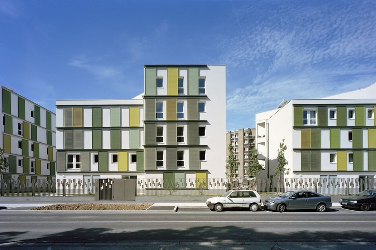 48 Habitações BBC / Atelier Tarabusi, © Benoît Fougeirol