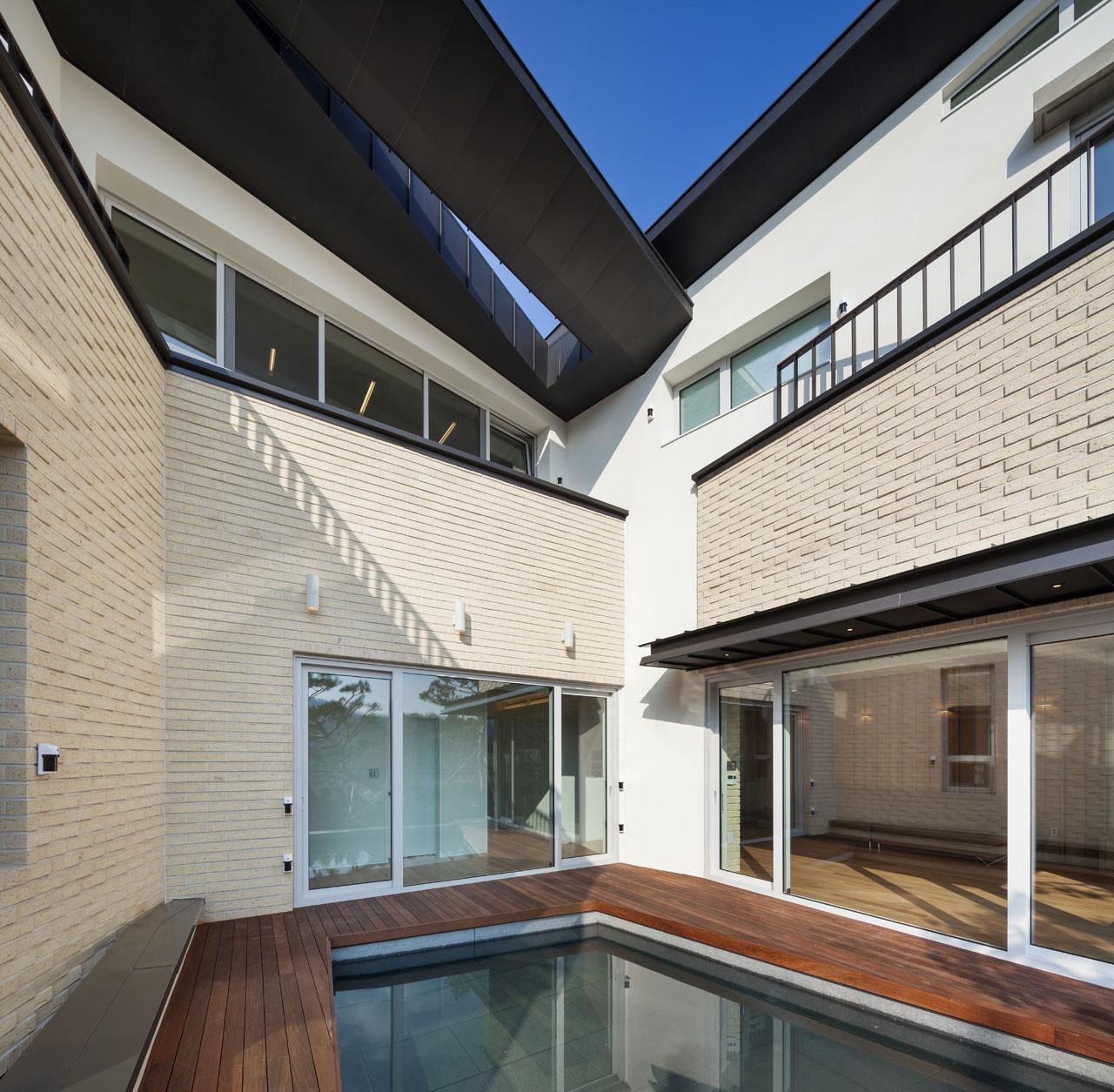 Gallery of naegok v house jhy architect associates 3 for Architect associates