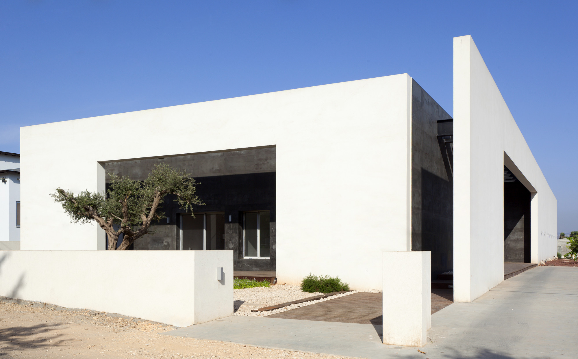 House in Talmei Elazar / Dan & Hila Israelevitz Architects, © Elad Sarig