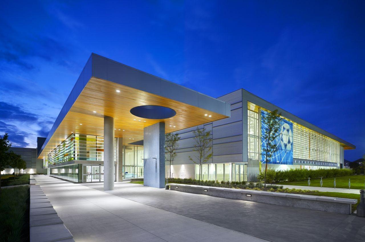 Brampton Soccer Centre / MacLennan Jaunkalns Miller Architects, © Tom Arban