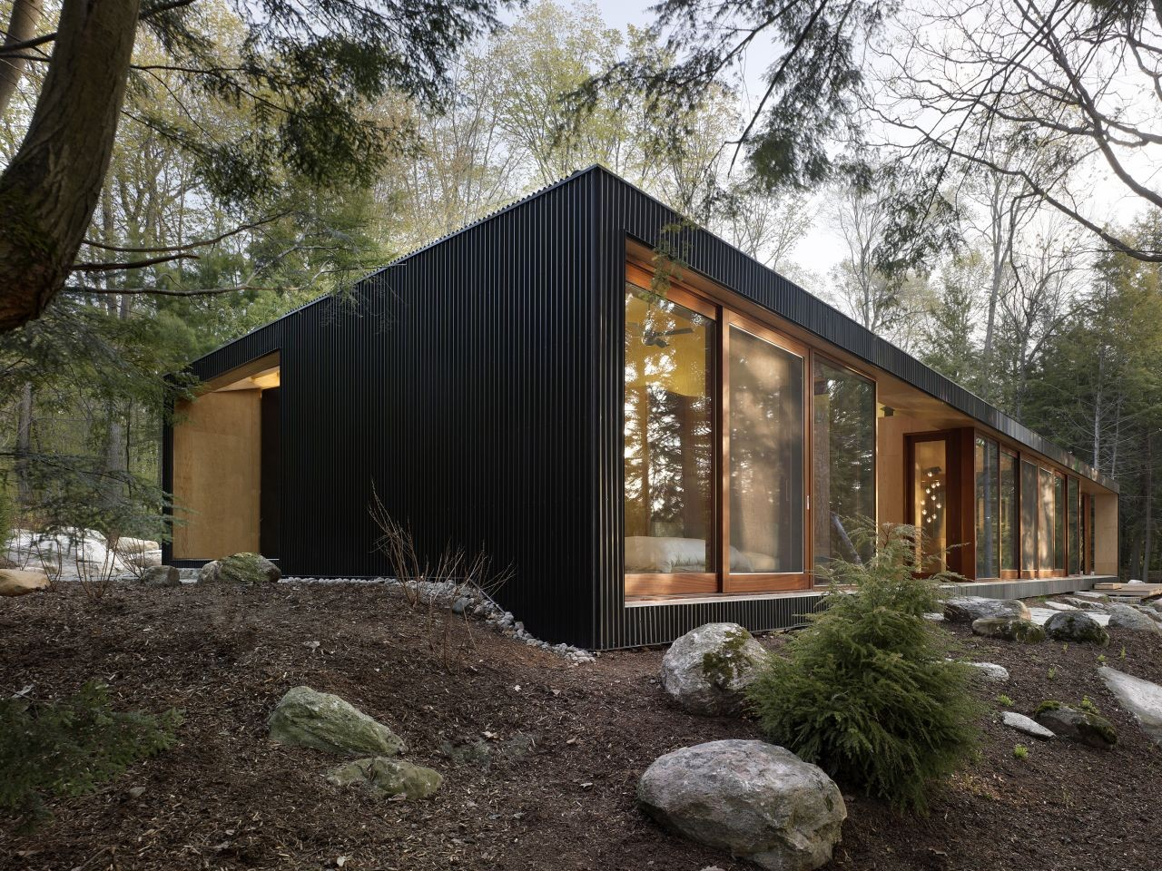 Clear lake cottage maclennan jaunkalns miller architects for Wochenendhaus modern