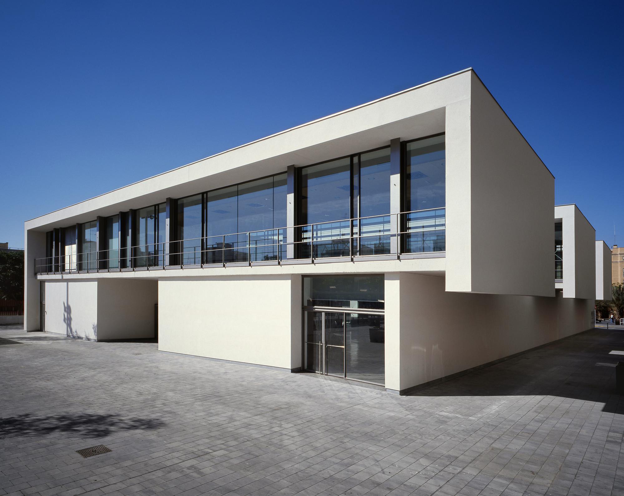 Fuster Arquitectos Oficina Plataforma Arquitectura # Muebles Paco Duque