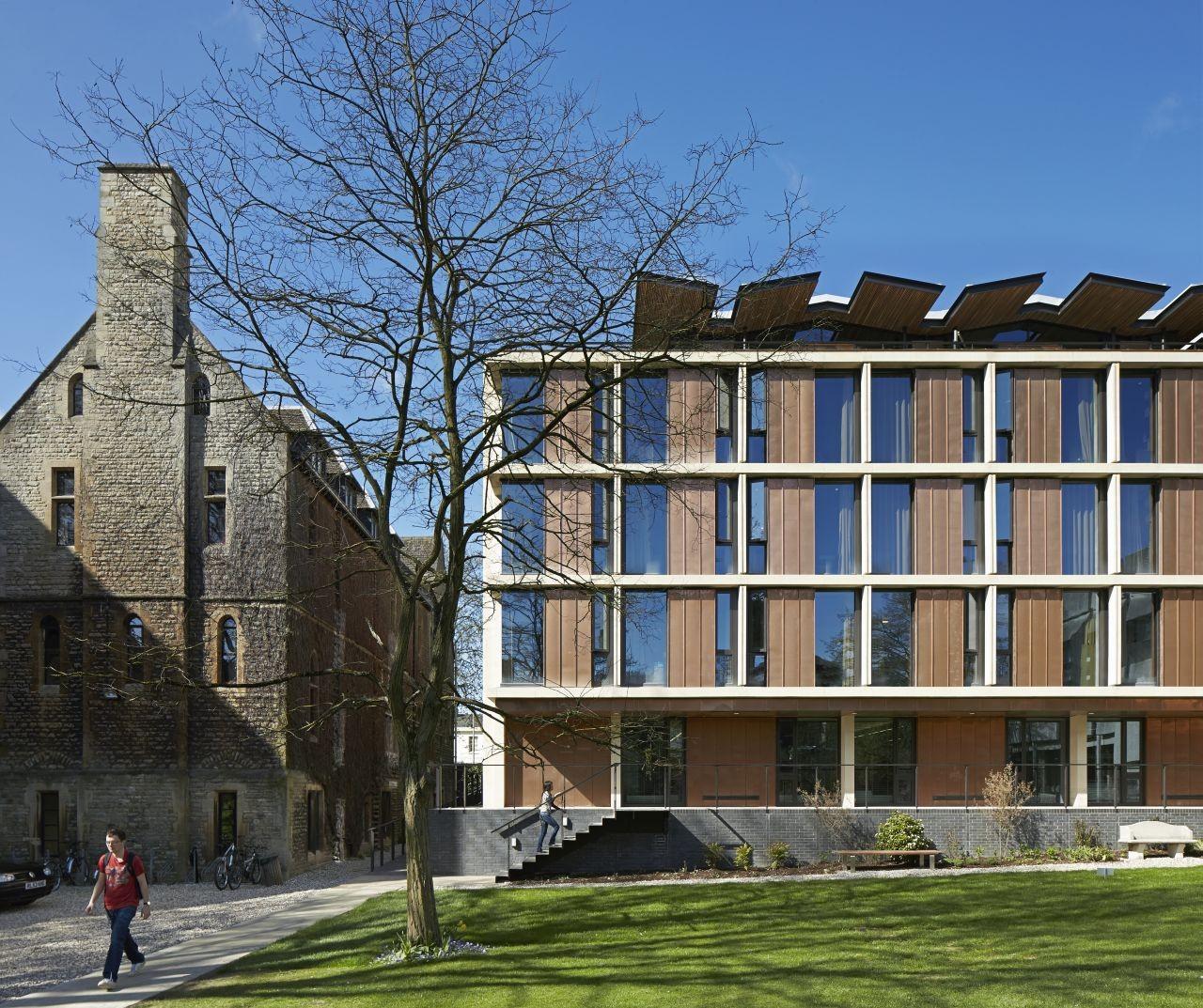 St Antony's College / Bennetts Associates