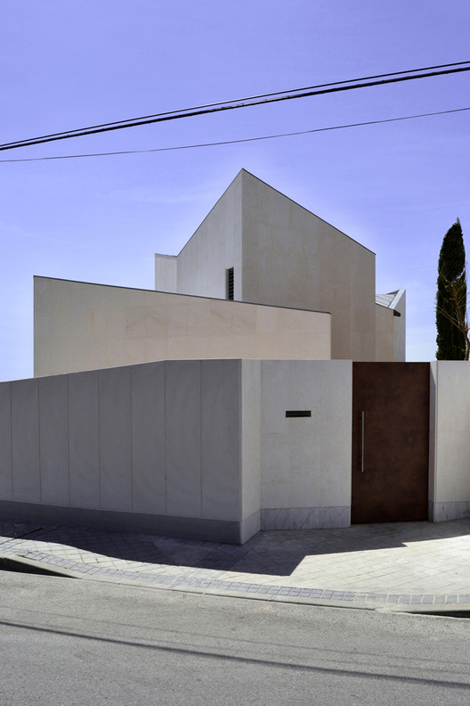 Zigzag House / Cobaleda & García  Arquitectos, Courtesy of Cobaleda & García  Arquitectos