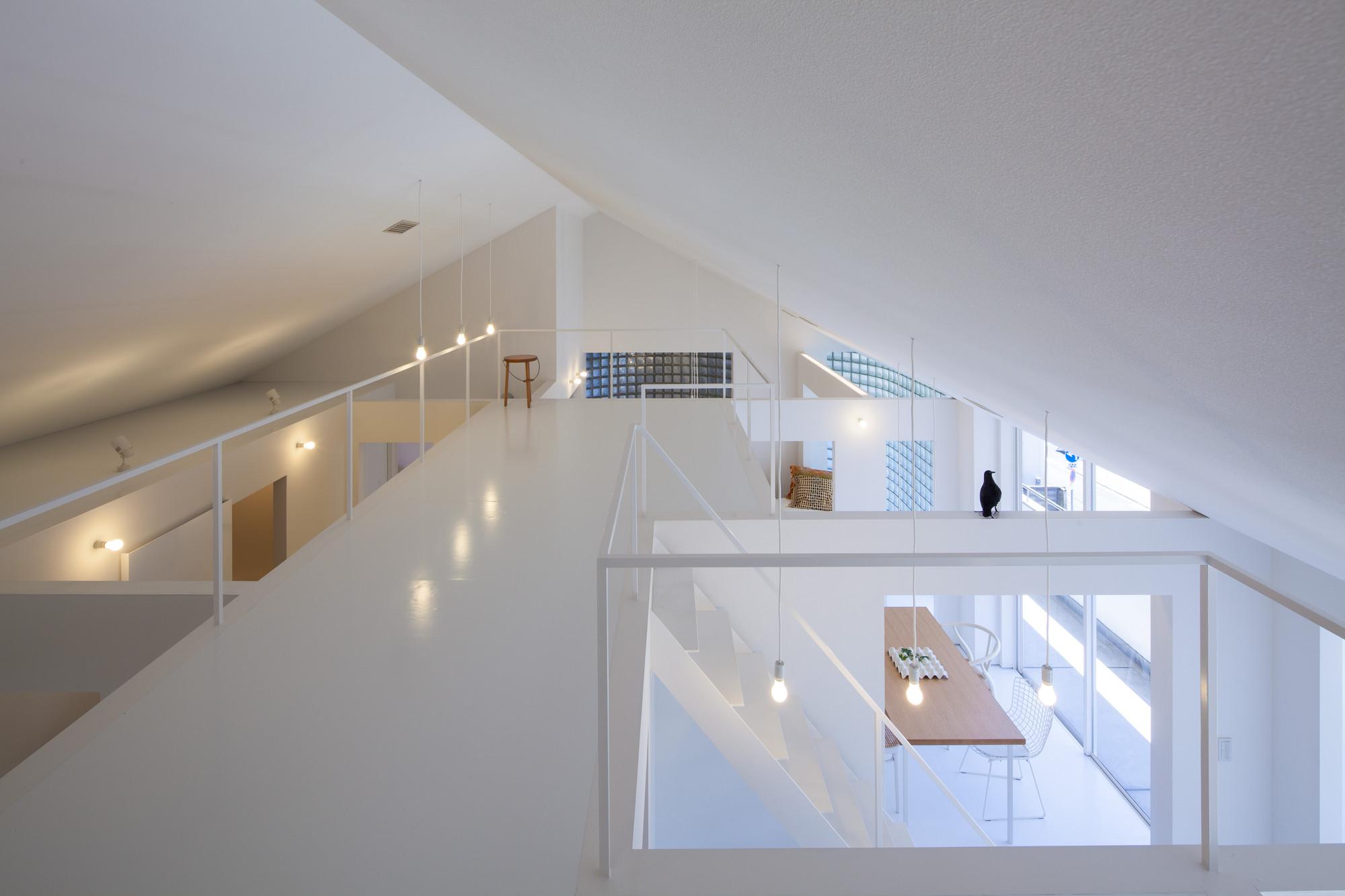 House in takamatsu yasunari tsukada design archdaily for Decor 9 stirling