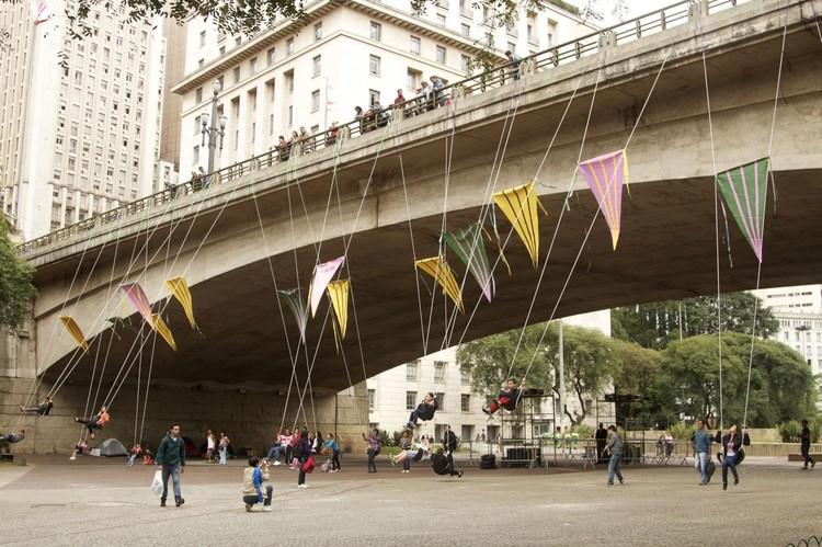 A Cidade É Para Brincar / Basurama, Publicada sob licença Creative Commons 3.0 (CC BY-NC 3.0 BR)