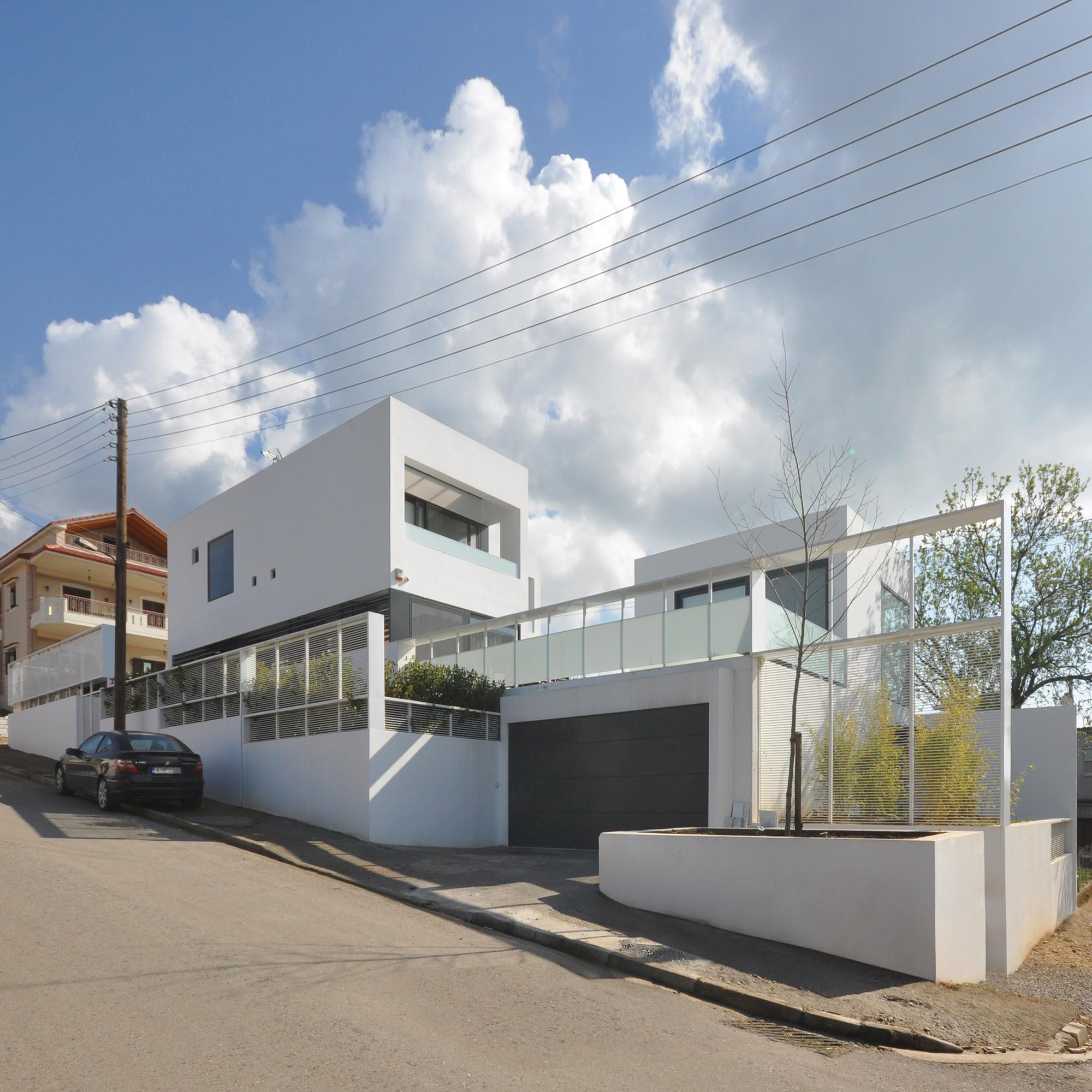 House in Agrinio / John Karahalios, Courtesy of John Karahalios
