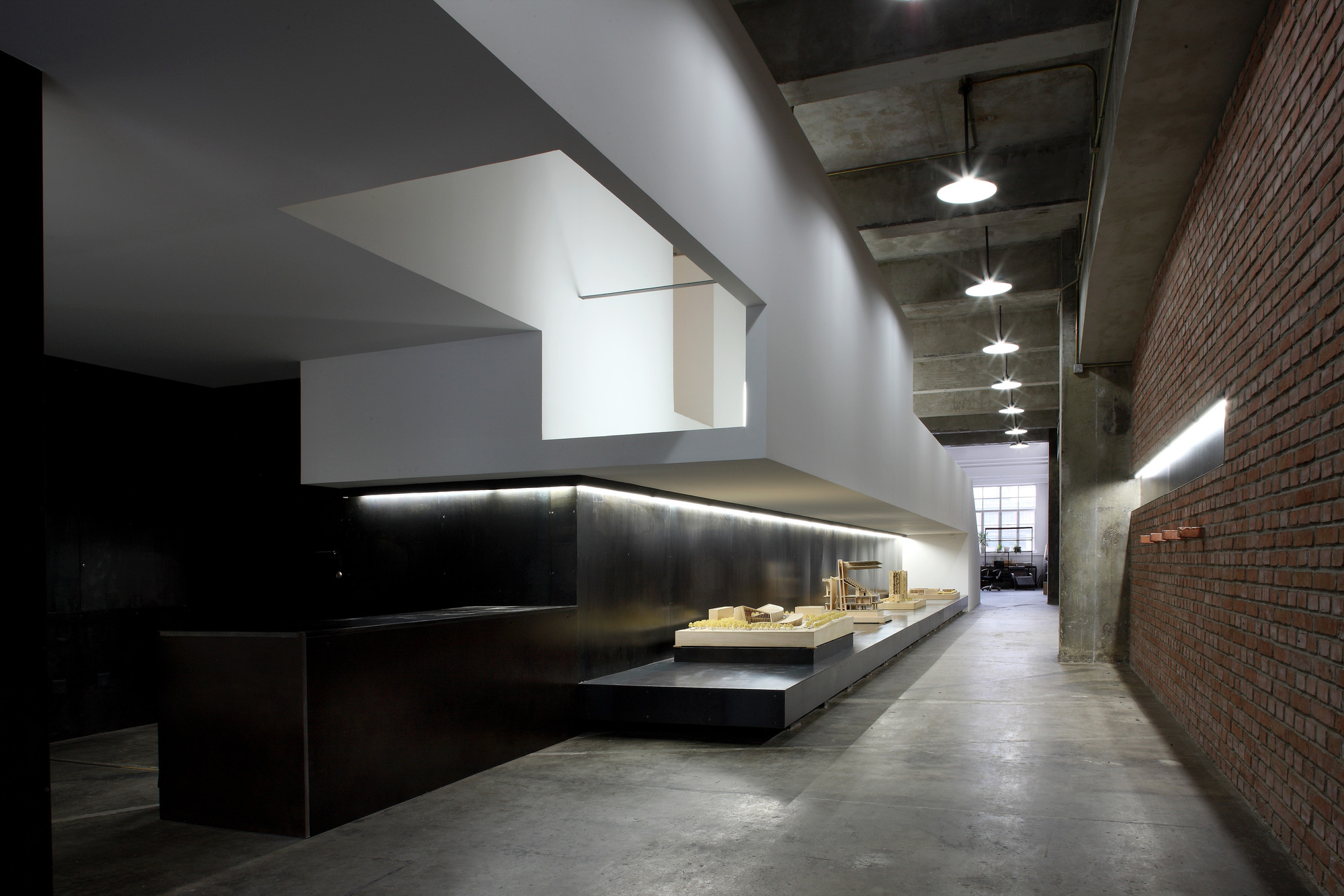 Architecture Office refurbishment of a warehouse / tao - trace architecture office