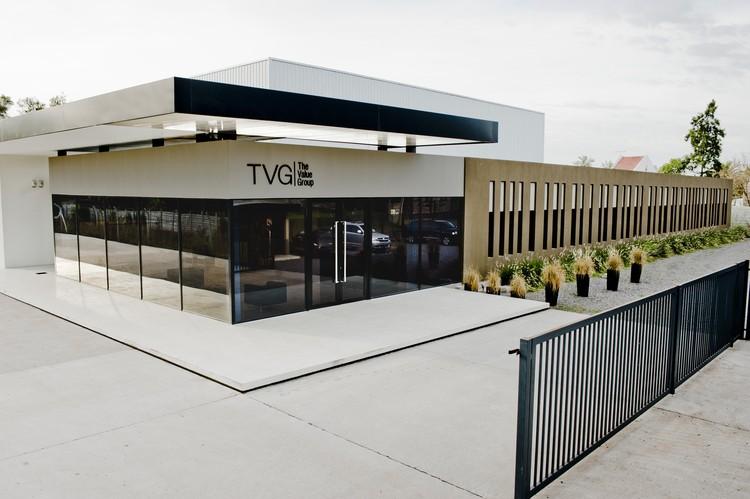 Centro de distribuci n y edificio de oficinas en tigre for Diseno de oficinas arquitectura