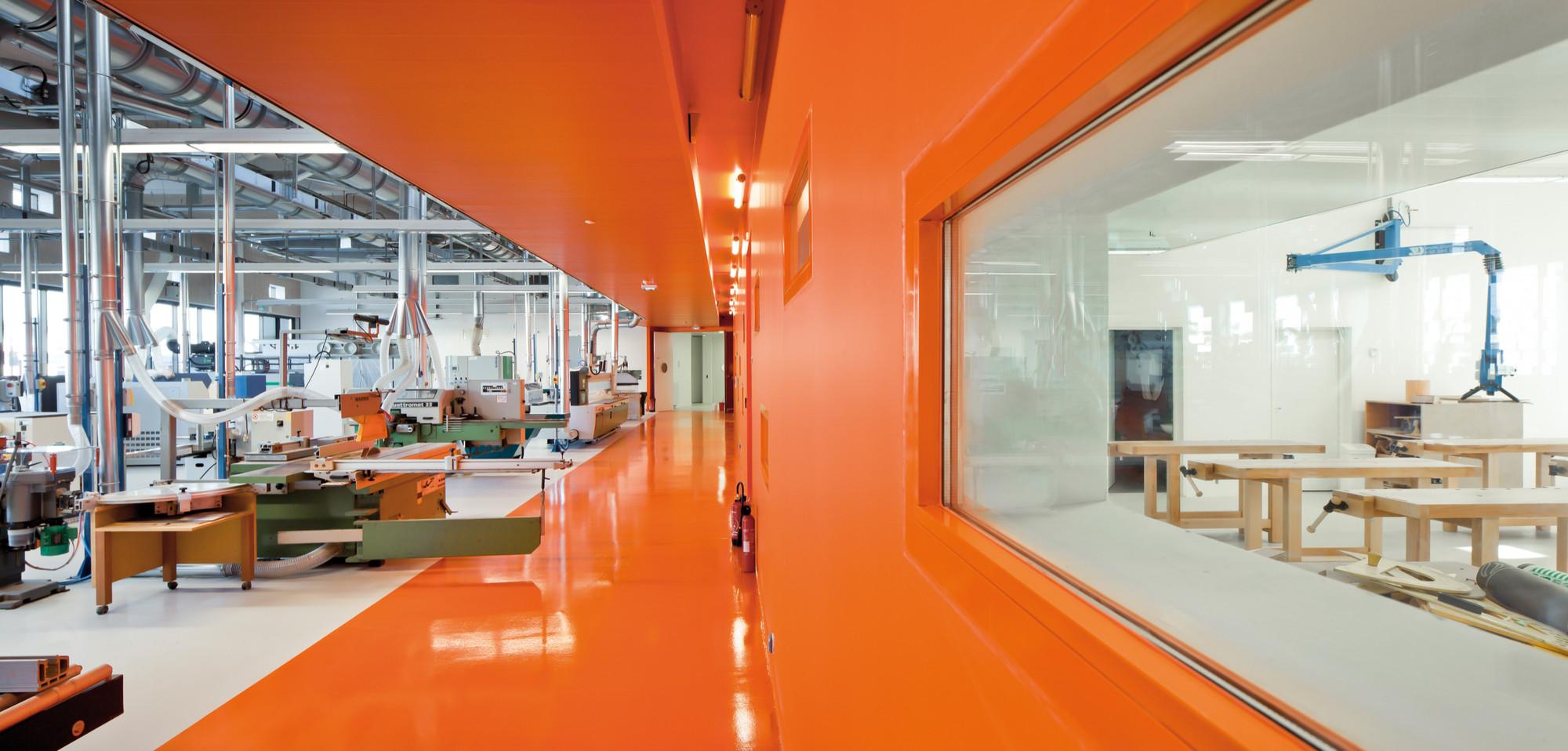 Gennevilliers  Training Center / Atelier d'Architecture Brenac-Gonzalez