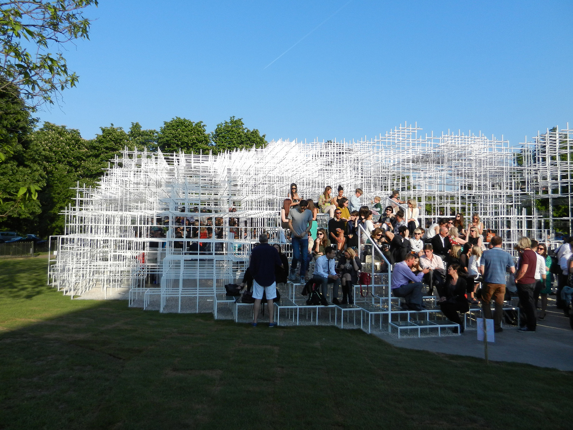 Fujimoto's Serpentine Pavilion Receives High Praise from Critics, © Daniel Portilla