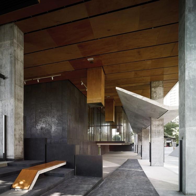 Point92 zlg design plataforma arquitectura - Fachada hormigon in situ ...