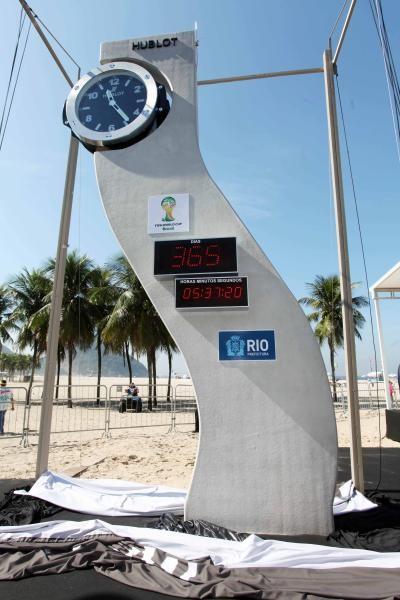 Cronômetro projetado por Niemeyer faz contagem regressiva para a Copa do Mundo, © Beth Santos /Prefeitura do Rio de Janeiro