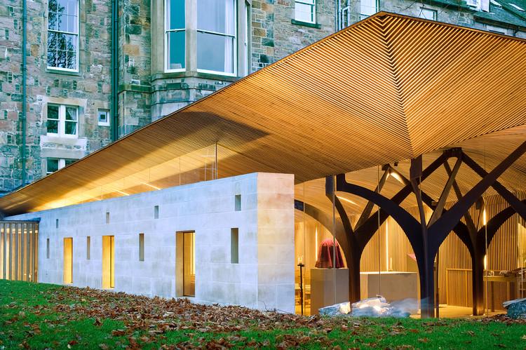 A lista completa dos vencedores do Prêmio Nacional RIBA, The Chapel of Saint Albert the Great, Edinburgh by Simpson and Brown © Chris Humphreys