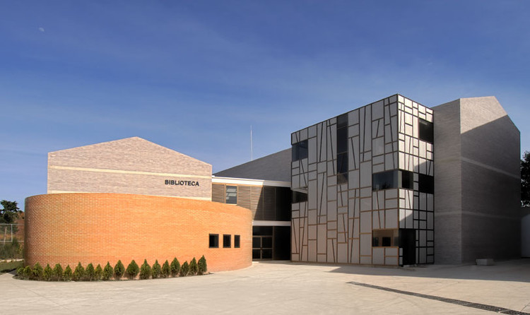 Biblioteca Villa de los niños / Solis Colomer Arquitectos, Cortesia de Solis Colomer arquitectos