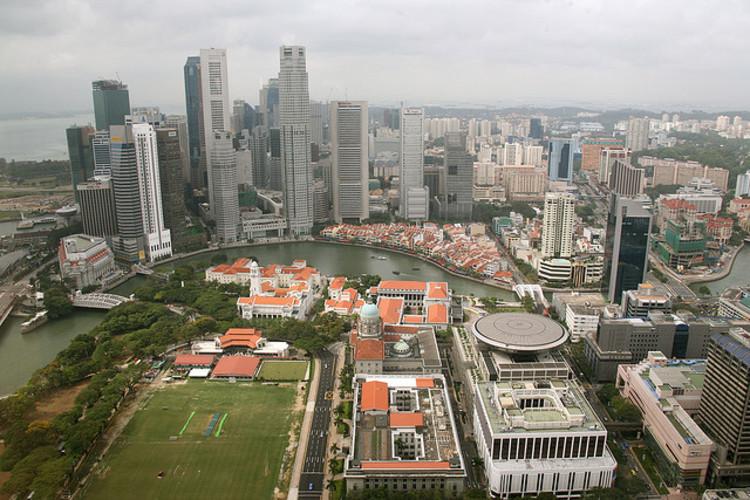 Densidade versus Habitabilidade nas grandes cidades do mundo, Cingapura © Small; via Flickr. Used under <a href='https://creativecommons.org/licenses/by-sa/2.0/'>Creative Commons</a>