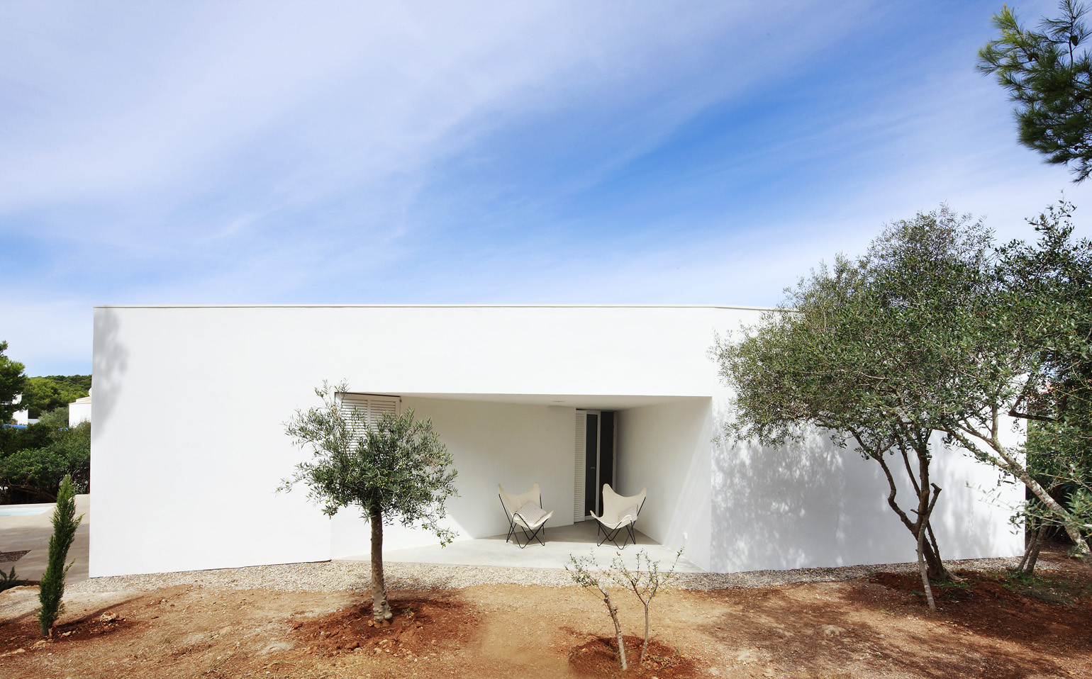 4 Porches and 4 Skylights House / Ferran Vizoso + Jesús Cardona