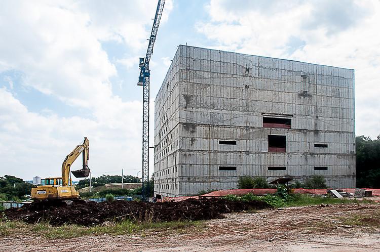 Em construção: Complexo Praça dos Museus da USP / Paulo Mendes da Rocha +  Piratininga Arquitetos Associados , © Denise Maher