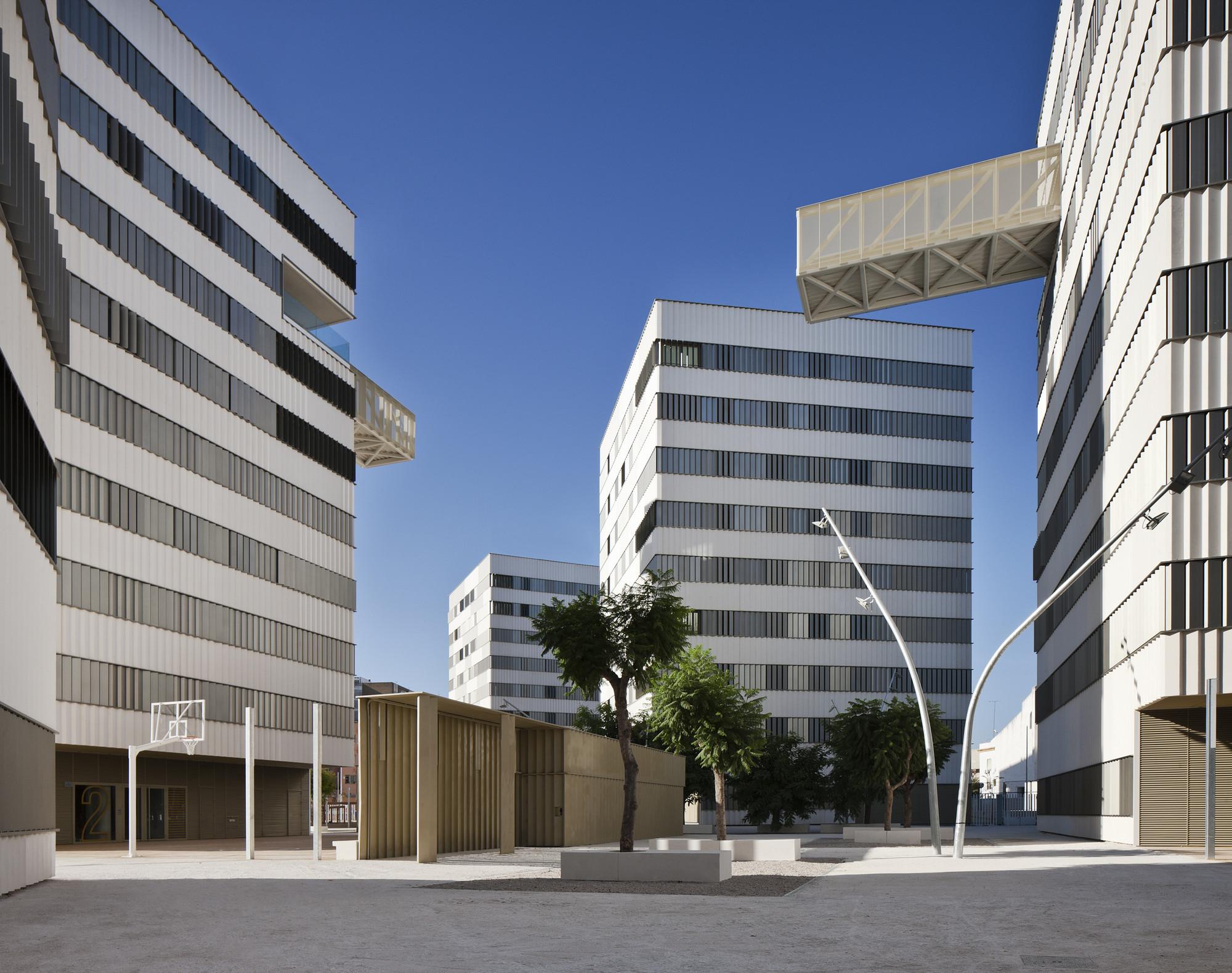 Housing Complex in Sevilla / DL+A Arquitectos Asociados, © Fernando Alda