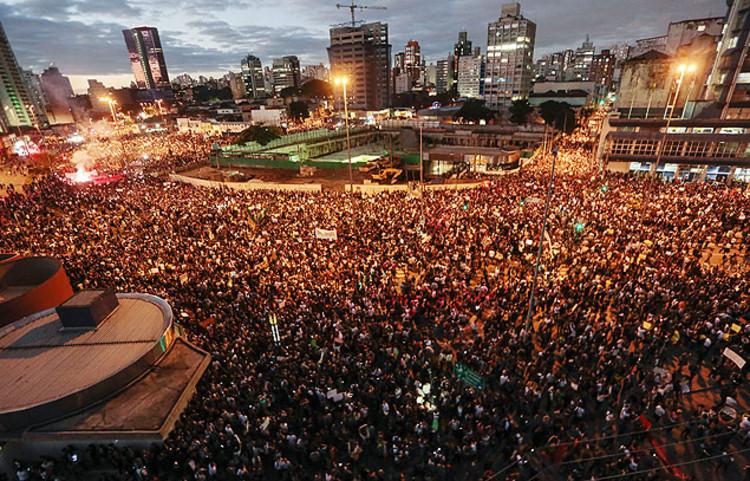 São Paulo: a voz das ruas e a oportunidade de mudanças / Raquel Rolnik, Largo da Batata, © Folha Online, Miguel Schincariol, AFP