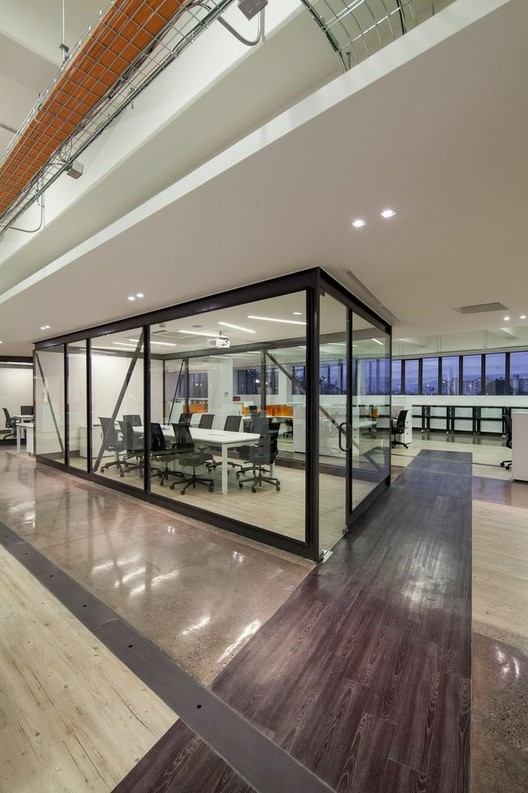 Oficinas Nexans Chile / Schmidt Arquitectos Asociados + Ignacio Correa, © Aryeh Kornfeld