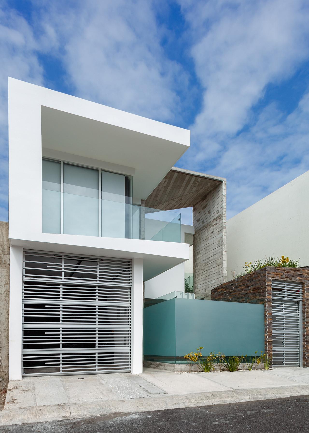 Casa aedes taller adc archdaily m xico for Casa con piscina quebrada alvarado