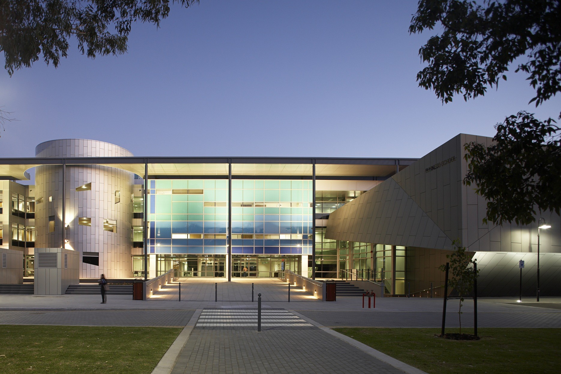 UWA Business School / Woods Bagot