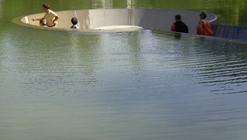 Um vazio em meio à água