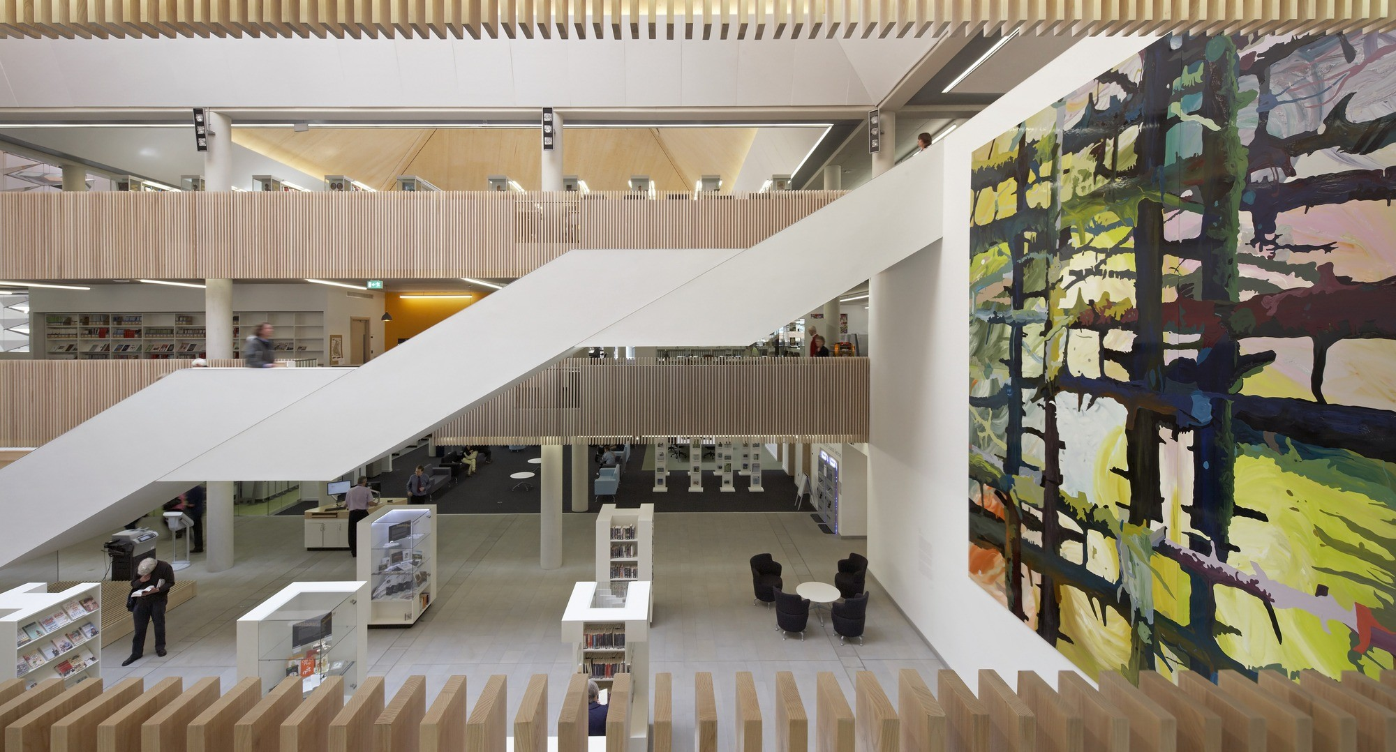 RIBA Considers 'Test of Time' Award, Clegg's own project, The Hive, has won a RIBA award this year © Hufton + Crow