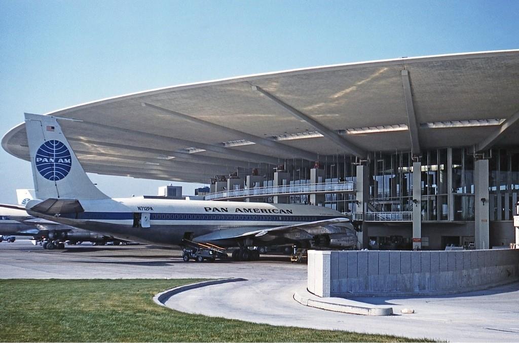 Pan-Am Terminal at JFK: Save or Scrap?, © Jon Proctor
