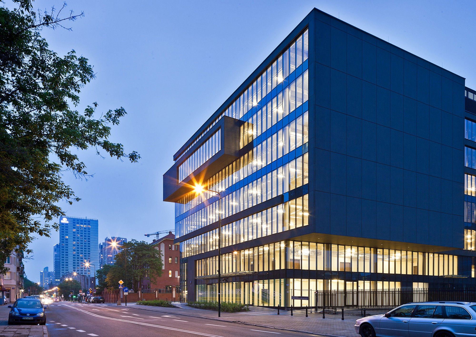 Office building at grzybowska street grupa 5 architekci - Architecture of a building ...